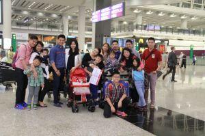 Full team, mamie, 5 anak, 4 menantu, 6 cucu.